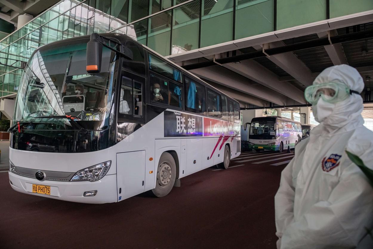 Echipa OMS care investighează originile pandemiei a reuşit să ajungă în Wuhan, la o săptămână de la momentul în care China nu a vrut să o lase să intre