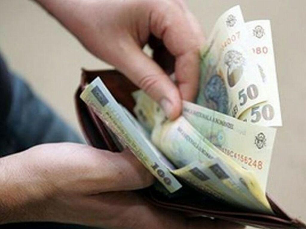 jumătate din contractele înregistrate în Revisal sunt cu salarii nete sub 1.600 de lei
