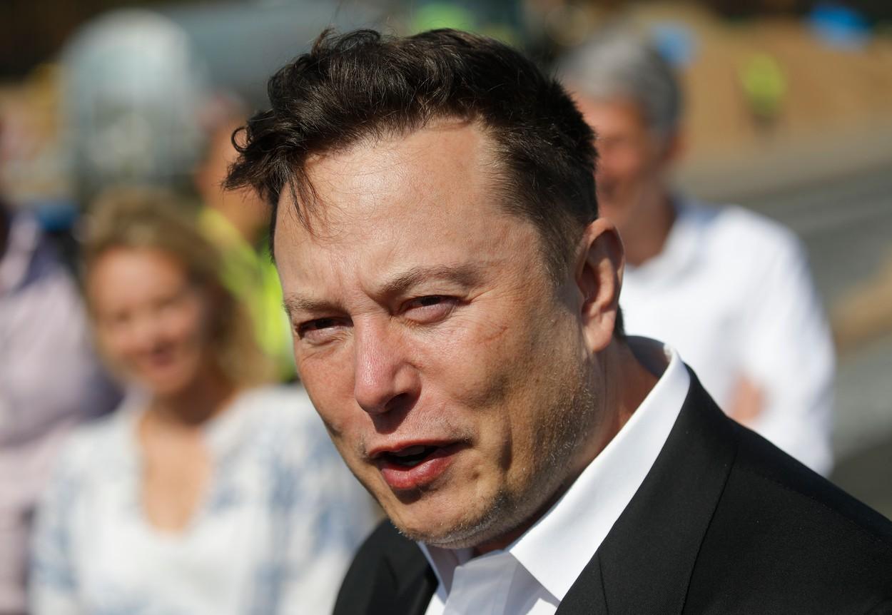 Veşti proaste pentru Elon Musk. Acţiunile Tesla au suferit cea mai mare scădere din septembrie 2020