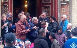 Lui Aurică Beldeanu i s-a făcut rău la sicriul lui Ilie Balaci şi a fost transportat de urgenţă la spital: