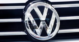 Volkswagen îşi schimbă planurile pentru a pentru a atinge obiectivele UE de emisii