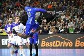 Franţa a mai făcut un pas pentru calificarea în semifinalele Campionatului Mondial, în faţa unei echipe rănite a Islandei. Norvegia, pusă serios la muncă înaintea marelui derby cu Suedia. Situaţia în Main Round