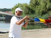 Regele a plecat! Trăiască Regele! Reputatul antrenor Mircea Roman s-a despărţit de lotul feminin de canotaj după Mondialul din Bulgaria. Postul de coordonator a fost preluat de italianul Antonio Colamonici, tehnicianul care a revitalizat lotul masculin