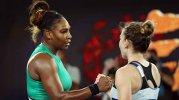 """Se dopează Serena Williams? Acuzaţii incredibile după ce a eliminat-o pe Simona Halep de la Australian Open: """"Asta foloseşte! Celorlalte le e interzis, ei îi e permis"""""""