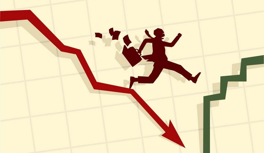 Paradoxul investitorilor în fonduri mutuale: prea fricoşi când dobânzile scad, prea încrezători când bursa se pregăteşte să cadă