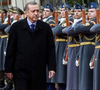 Turcii i-au preluat obsesia lui Nicolae Ceauşescu şi vor termina de rambursat toata datoria externă pe 14 mai 2013