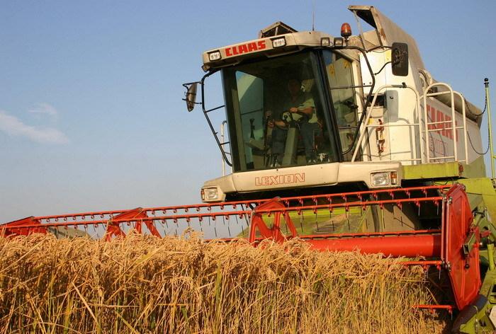 Producătorii agricoli continuă să ameninţe cu creşterea preţurilor la produsele alimentare