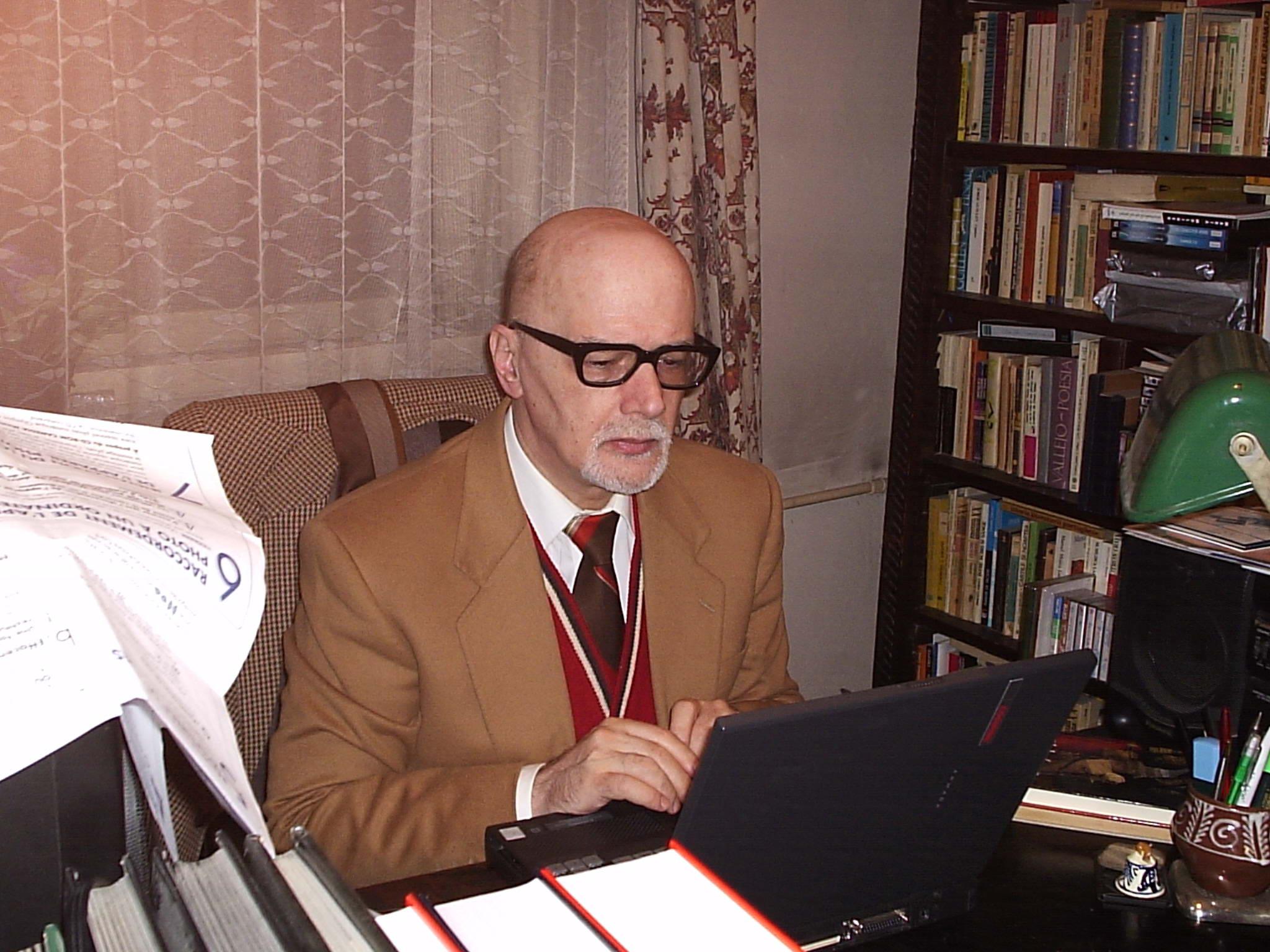 """Mihai Cantuniari: """"În scrisul meu esenţială a fost viaţa trăită, abia apoi plasez bibliotecile""""/ de Stelian Ţurlea"""
