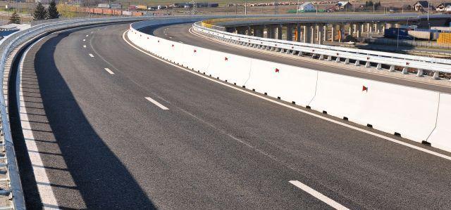 Marţi a fost inaugurat noul drum de acces cu regim de autostradă dintre Uzinele Dacia de la Mioveni şi DN 73