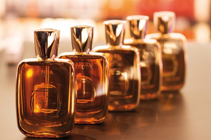Mădălina Stoica Este Unul Dintre Puţinii Parfumieri Români Din Lume